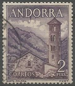 D'origen preromànic, l'església de Santa Coloma  va ser construïda entre els segles VIII i IX, en época carolíngia, i constava d'una nau de planta rectangular i un absis quadrangular.