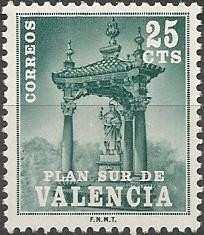 Casalicio de San Vicente Ferrer (puente del Real), 1682. La construcción se realizó a expensas del arzobispo de Valencia Joan Tomàs de Rocabertí i Safortesa (1676-1699). La estructura triangular figura cubierta con tejado a tres aguas y tejas vidriadas, sostenido por columnas con fustes en piedra negra de Alcublas.