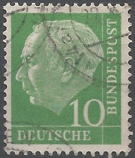 Heuss studied economics, art history and political science at the universities of Munich and Berlin, received his doctorate at Munich in 1905, and became editor of the political magazine